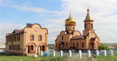 «Вот как нужно работать!» Церковь в селе Семено-Петровское возрождается на глазах