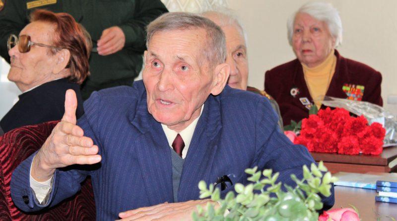 Фронтовик Мамун Лутфуллинович Гатиятуллин отмечает 95-летний юбилей