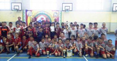 В Баймаке состоялся турнир по мини-футболу памяти Станислава Гузнева