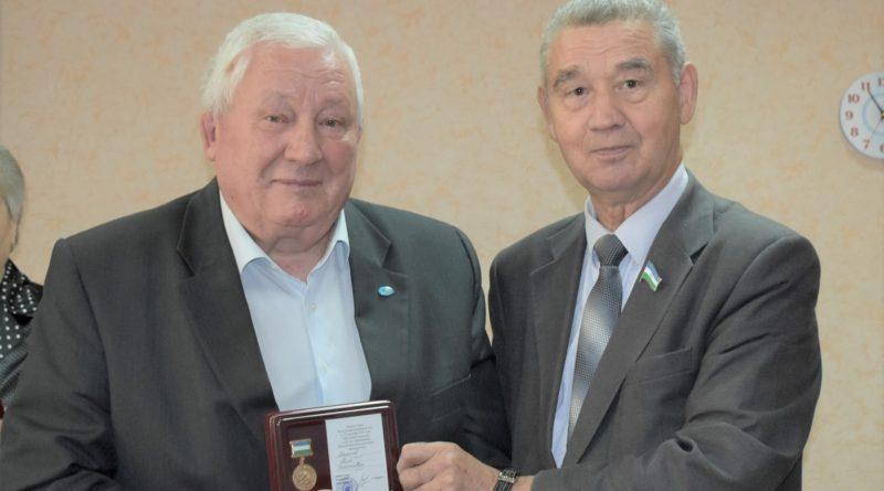 Активисты ветеранского движения получили медали «100 лет образования Республики Башкортостан»
