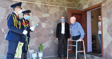 В Кумертау ветеранский актив и участники клуба «Гефест» поздравили ветеранов войны