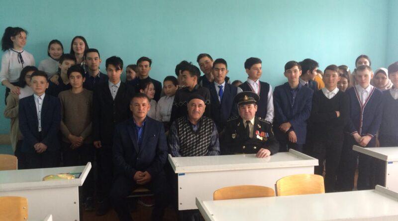В школе №1 Баймака прошёл урок мужества, посвящённый Дню Победы